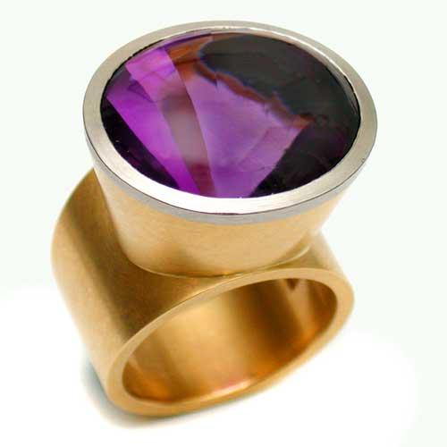 Ring 750 Gold mit Amethyst