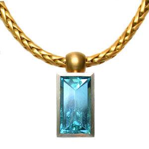 Collier 750 Gold und Aquamarin