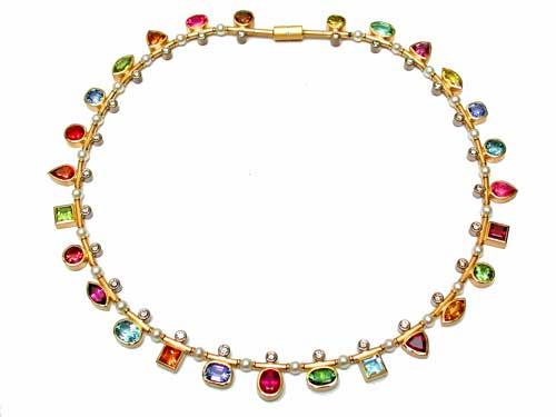 Collier 750 Gold und verschiedene Edelsteine