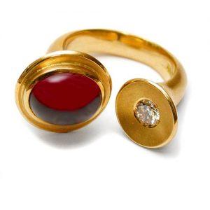 Ring Gold 750 mit Rhodolith und Brillant