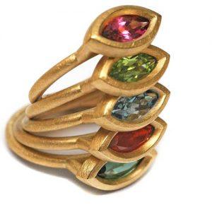 Ringe 750 Gold mit verschiedenen Edelsteinen