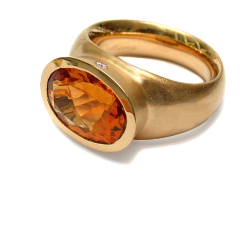 Ring Gold 750 mit Mandaringranat und Brillanten