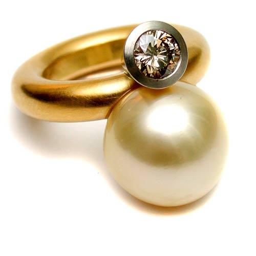 Ring 750 Gold mit Brillant 1,18 ct und Südseeperle